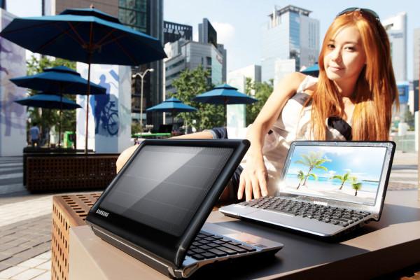 Вышел нетбук Samsung NC215S